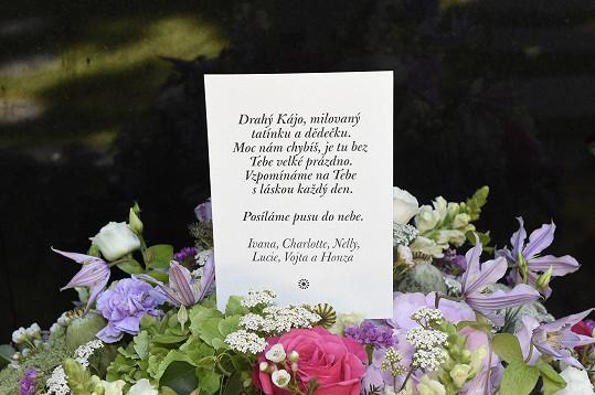 Pod dojemným vzkazem chybělo jméno nejstarší dcery Dominiky Gottové.