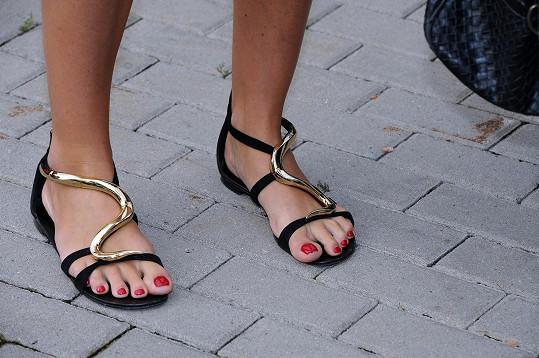 Přítomné dámy záviděly na schůzce Aleně její obutí.