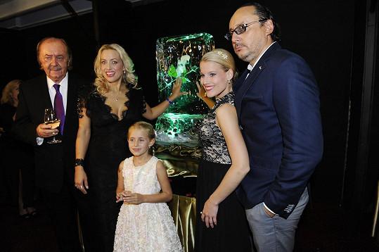 Na párty s rodinou a Marianem Vojtkem a Michaelou Gemrotovou