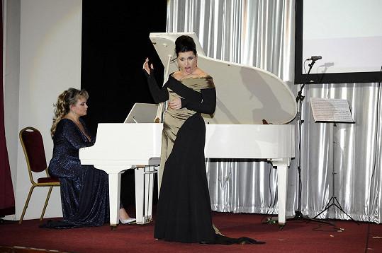 Za doprovodu klavíristky Vladislavy Vondráčkové zazpívala mj. árii ze své milované Carmen.