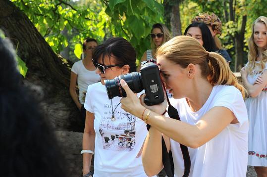 Za objektivem fotoaparátu stála Petra Ficová, která je dvorní fotografkou Dary Rolins.