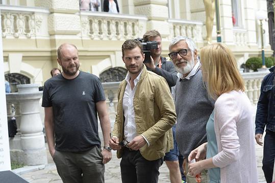 Jamie Dornan v Karlových Varech.