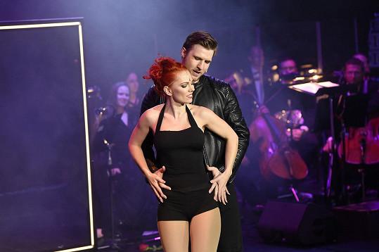 Michaela vystřídala na pódiu řadu sexy outfitů.