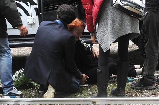 Iva Janžurová vypadla během natáčení z auta.