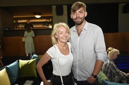 Se scénářem dokumentární série jí pomáhal syn Cyril.