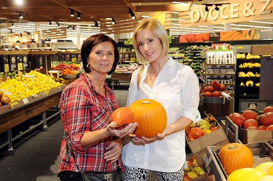 Jovanka na nákupech s maminkou