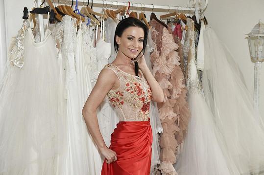 Líbí se vám na Gábině snad tyto šaty?