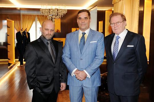 Hynek Čermák s Miroslavem Etzlerem a Janem Vlasákem, s nimiž ve filmu GangsterKA hraje.