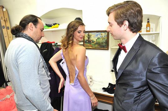 Na to, aby byla správně oblečená, dohlíželi kolegové z Fantoma opery.