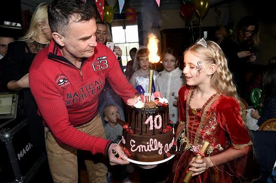 V Hliněné baště měli pro holčičku samozřejmě připravený i dort.