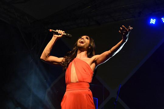 Conchita samozřejmě zapěla píseň Rise Like A Phoenix, díky které zvítězila v Eurovizi.