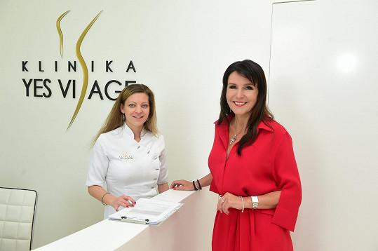 Martina Jandová si zašla na Kliniku Yes Visage na odstranění křečové žíly na pravé noze.