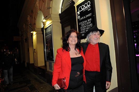 Juraj Jakubisko s manželkou Deanou byli kmotry knihy.