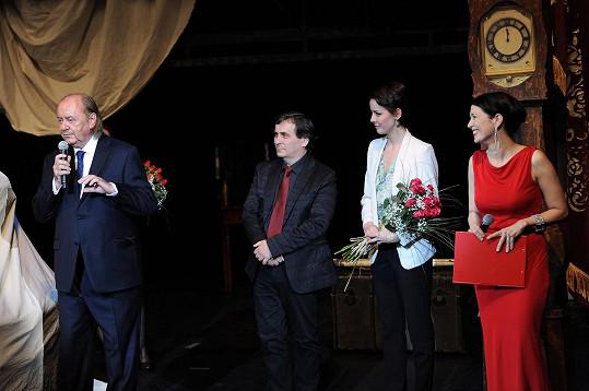 Slavilo se sté představení Fantoma opery. Gabriela Kratochvílová stovku slaví zase na Primě.