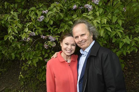 Eva a Václav Hudečkovi jsou společně i po letech velmi šťastní...