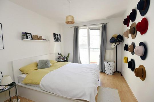 Útulná ložnice Moniky a Martina.