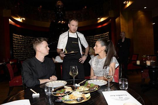 O ně i o hlavní jídla se podělila s módním návrhářem Michalem Kováčikem.