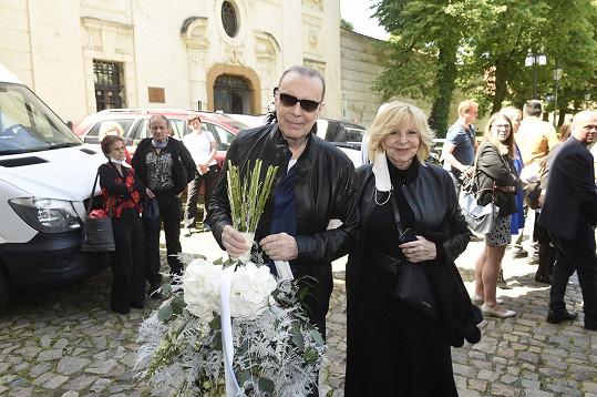 Na zádušní mši dorazila Hana Zagorová se Štefanem Margitou.