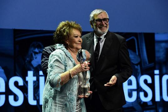 Bohdalová převzala Cenu prezidenta festivalu.