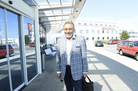 Z terminálu 3 ruzyňského letiště odletěl do Berlína.