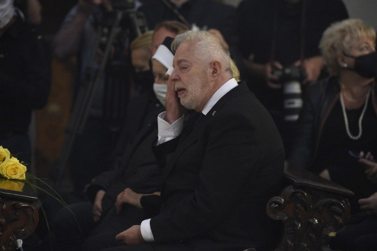 Manžel Evy Pilarové Jan Kolomazník dal své ženě poslední sbohem.