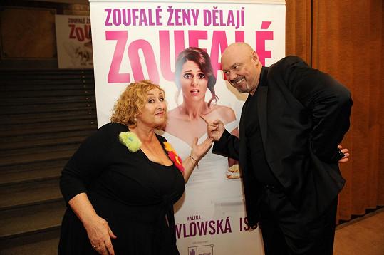 Autorka scénáře Halina Pawlowská s producentem snímku Pavlem Páskem