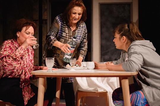 V době zavřených divadel nazkoušela s kolegyněmi novou inscenaci.
