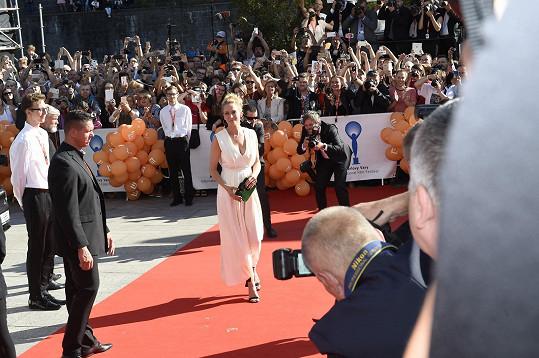 Uma Thurman přišla na červený koberec sama