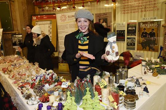 Pořádala taky vánoční trh.