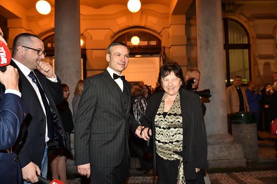 Maminka Ivety Bartošové Svatava s Janisem Sidovským