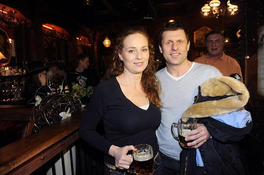 Markéta s novým partnerem mají společnou i lásku k pivu.