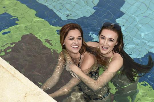 S kamarádkou Lucií Kovandovou si užívá v egyptské Hurghadě.