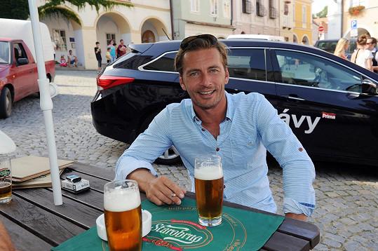 Petr Vondráček začal pivem.