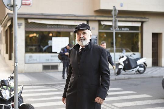 Janu Třískovi přišlo dát sbohem mnoho kolegů: Zdeněk Svěrák
