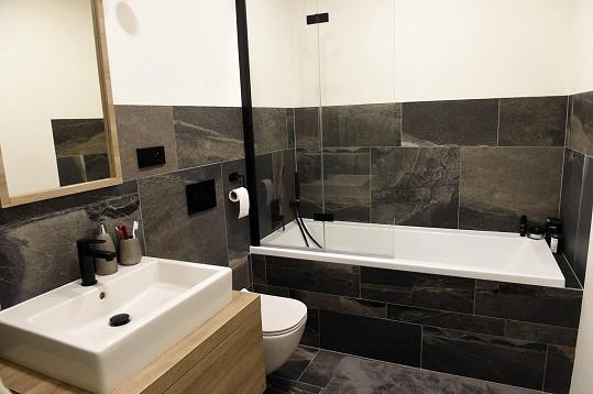 Z ložnice se jde do koupelny, záchod pro hosty je zvlášť v předsíni.
