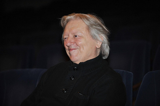 Právě jen vystoupení Pepy a Míši vzbudilo u Václava Neckáře úsměv ve tváři.