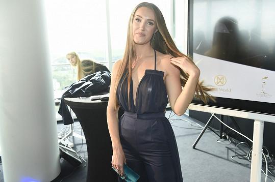 Táňa Makarenko na své tiskové konferenci zaujala více než vítězky její soutěže Miss Czech Republic.