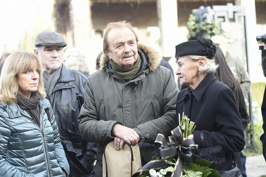 Dorazila i vdova po Petru Haničincovi Radka (vpravo).