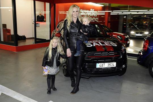 Lucie s dcerami Denisou a Vanessou