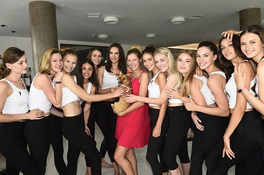 Missi s finalistkami České Miss a Miss Universe Slovenska 2019