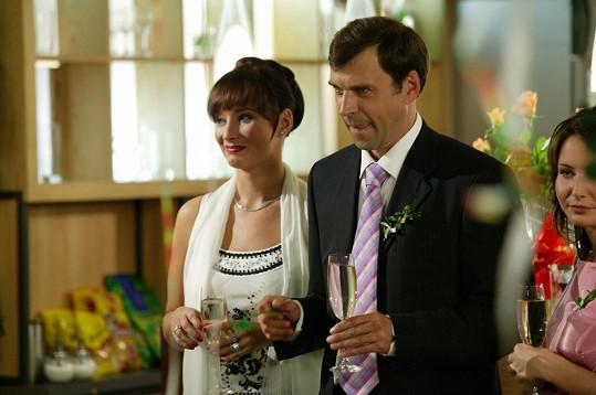 Jedna ze svatby - jen seriálové (Lucie a doktora Hrušky), tu vlastní Daniela dlouho tajila.
