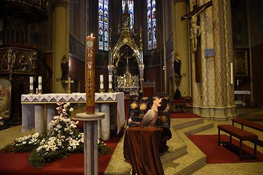 Mše proběhla v kostele sv. Ludmily na náměstí Míru v Praze.