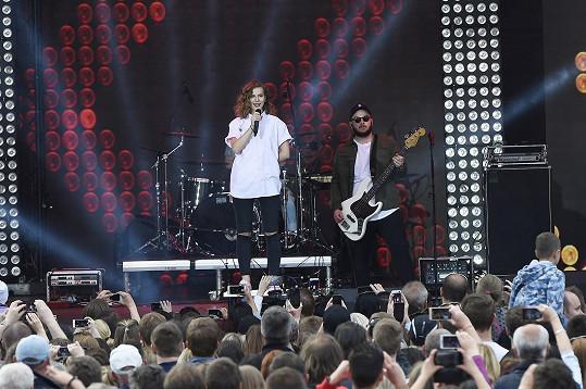 Spolu s novým singlem Lenny oznámila čtyři samostatné české koncerty. Premiérově se představí v pražském Foru Karlín.