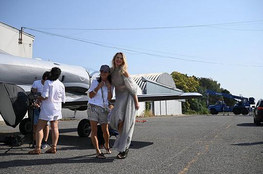 Vedle Diany na podpatcích působilo malé i letadlo.