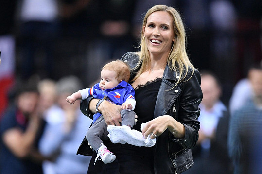 Manželka Nicole Vaidišová s jedenáctiměsíční dcerou Stellou