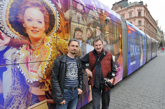 Po Brně jezdí tramvaj s Aleninou podobiznou.