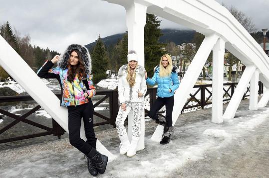 Modely vyzkoušela ve Špindlerově Mlýně s Veronikou Procházkovou a Lucií Hadašovou.