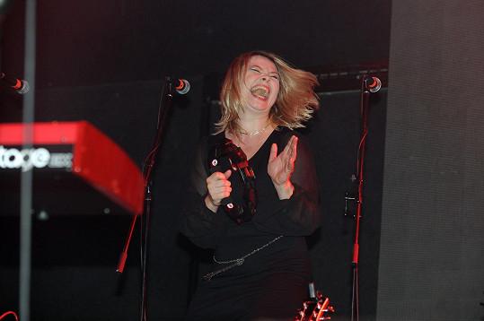Zpívala i Mukova expartnerka Míša Klímková.