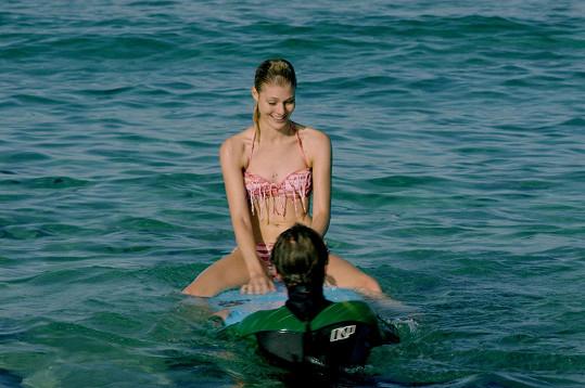 Kateřina Klausová se ve filmu Sezn@mka ukázala v plavkách.