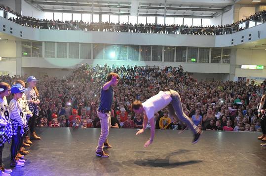 Mádl a Sokol bavili více jak tisícihlavý dav.
